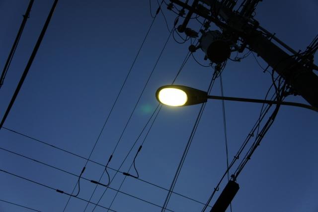 水銀灯の製造と輸出入は禁止になり、入手が不可能になります。水銀灯の代替にはLED照明が最適です。